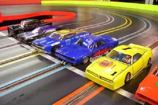 Autorennfeeling beim Slotcar Racing!